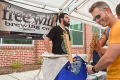 freewill-brewing-pour